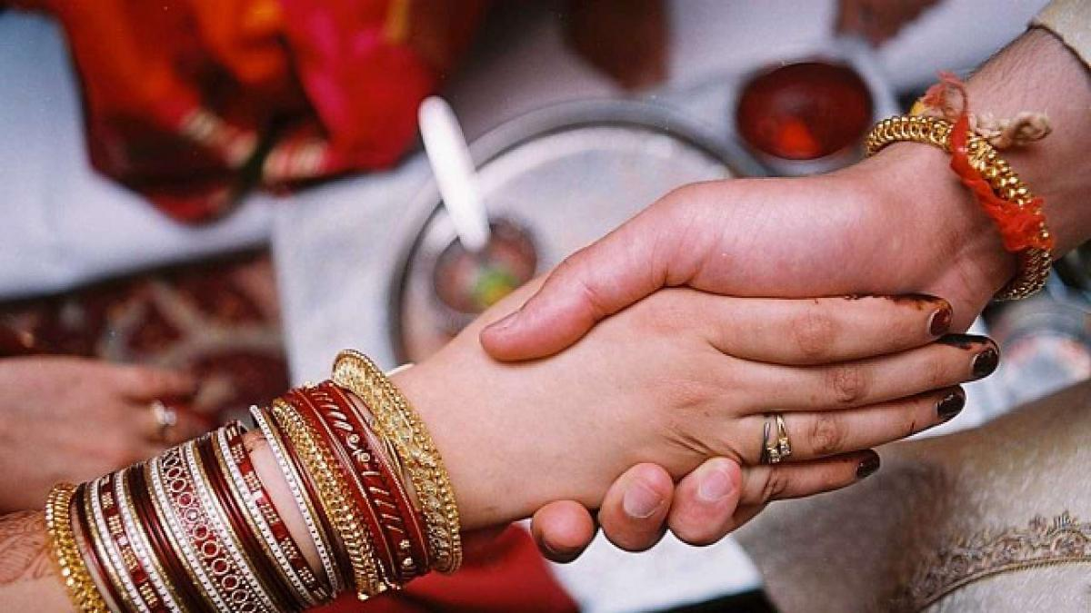 odisha increases inter caste marriage incentive to rs 2 5 lakh