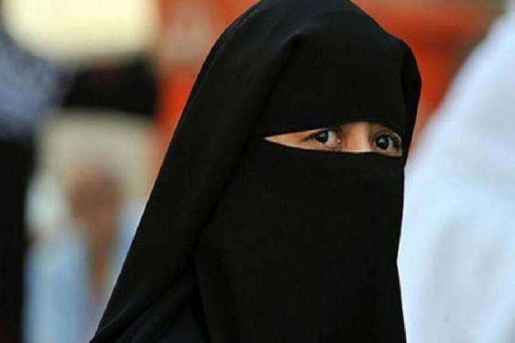 After 'Talaq' over Whatsapp, two women in Hyderabad file