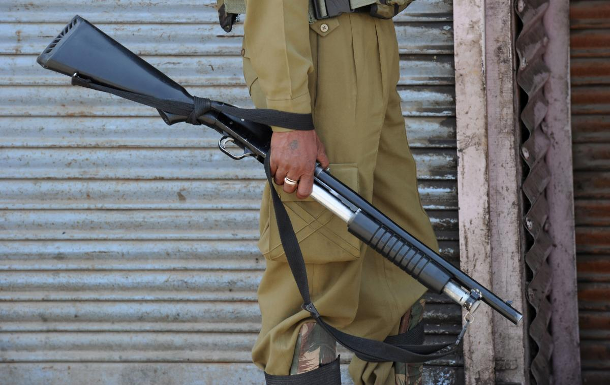 Pellet Guns continue to be used in Kashmir but Govt bans their use